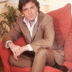 Marco Senise è un conduttore televisivo